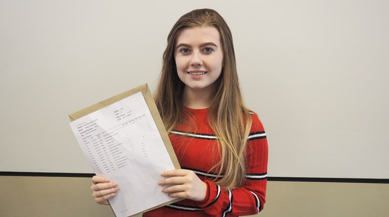 GCSE Results Day 2018 - Abbie Carr